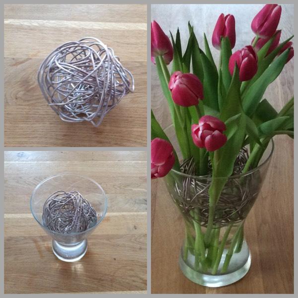 tulpen in vase st tzen kreativ mit kind. Black Bedroom Furniture Sets. Home Design Ideas
